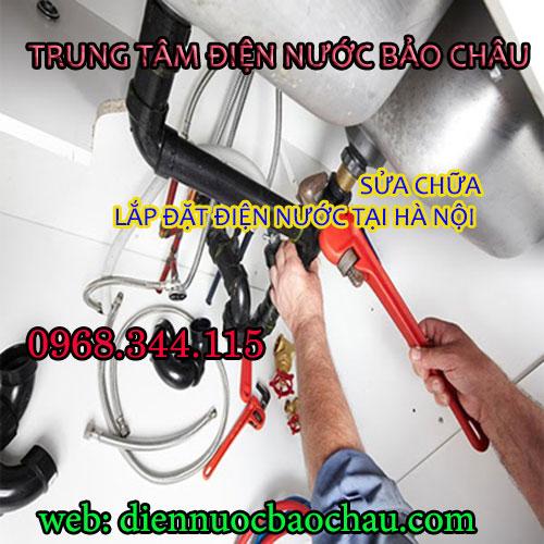 Thợ sửa đường ống nước ở phường Láng Hạ
